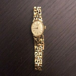 Women's seiko watch size xs